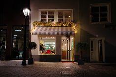 Unser Laden in der Neugasse11 im schönen Konstanz am Bodensee Mansions, House Styles, Home Decor, Konstanz, Old Town, Decoration Home, Manor Houses, Room Decor, Villas