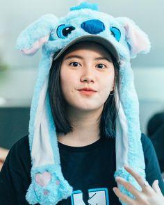 Korean Entertainment News, Teen Girl Poses, Japanese Photography, Cute Girl Wallpaper, Cute Korean Girl, Beautiful Girl Image, Cute Anime Character, Ulzzang Girl, Cute Girls
