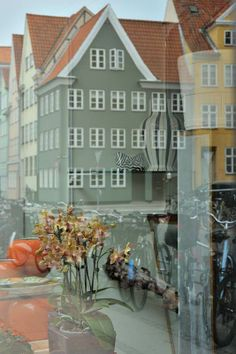Thursday Photo – Window Shopping in Copenhagen   Exploration Vacation
