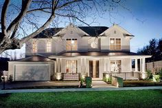 featured posts image for Striking Hamptons style home in Melbourne by Canny Architecture Hamptons Style Homes, The Hamptons, Halls, Suburban House, Patio Interior, Exterior Cladding, Dream House Exterior, Facade House, House Exteriors