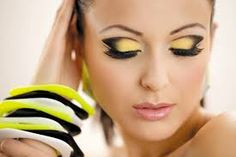 Znalezione obrazy dla zapytania makijaż artystyczny
