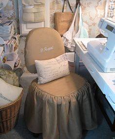 beautiful sewing/craft space