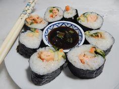 La Esquina Criolla: Sushi con Salmón Cocido Coco, Salmon, Ethnic Recipes, Salads, Salmon Sushi, Atlantic Salmon, Trout