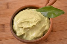 Bärlauch - Avocado'naise - Sauce ähnlich wie Mayonnaise mit den Hauptzutaten Avocado und Cashew. Vegan mit Bärlauch. Mayonnaise, Avocado, Ice Cream, Vegan, Ethnic Recipes, Desserts, Food, Culinary Arts, Food Food