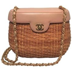 Preowned Chanel Tan Rattan And Leather Basket Shoulder Bag (€4.265) ❤ liked on Polyvore featuring bags, handbags, shoulder bags, brown, chain strap shoulder bag, leather purses, chanel purse, brown purse and woven-leather handbags