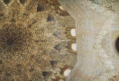 Alhambra #alhambra #palace #kid #park #europe #西班牙 #travel #trip #backpacking #여행 #스페인 #granada #그라나다 #알함브라 #장식 #park #spain #unesco #スペイン #旅行 #旅游 #summer #travelgram #여름 #夏天 #architecture #travelpics #건축 #españa #decoration #ceiling
