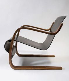 ALVAR AALTO, chair model 31, originaly designed in 1931 for Paimio Sanatorium, Finland. Manufactured by Oy Huonekalu- ja Rakennustyötehdas A...