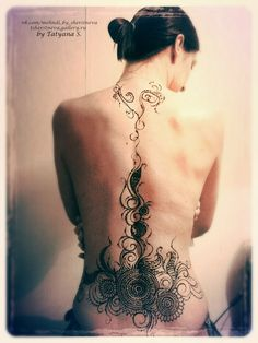 Мехенди на спине, плечах, декольте, животе и шее. Примеры работ – 161 фотография