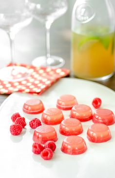 The 4th of July is almost here, so we decided it was precisely the right time to show you how to make jello shots. Summer is with us — seize the day, right? Wait, you say. Jello shots? Dorm room, frat party, neon green vodka bombs? No, no. What I'm about to show you today is jello shots all glammed up, and even, dare I say it, healthy. OK, healthier. I adore gelled desserts of all shapes and flavors — I have a whole chapter on them in my book Bakeless Sweets — and I've been waiting for just…