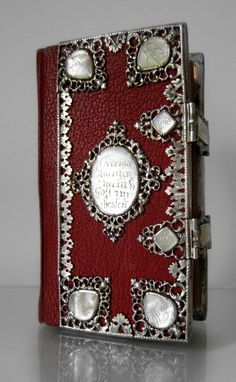 Church-book with silver mounts from 1729, combined with mother of pearl