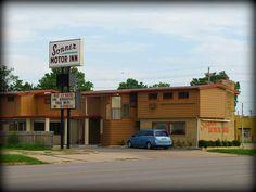 Sonner Motor Inn    - Winfield, Kansas.
