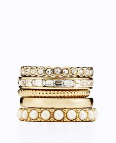 Modern Classic Ring Set in Gold | Ann Taylor