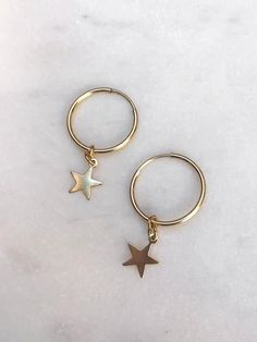 Stay on trend with these minimalistic hoop earrings! These gold filled hoops mea. - Stay on trend with these minimalistic hoop earrings! These gold filled hoops measure with a - Dainty Jewelry, Cute Jewelry, Jewelry Box, Jewelry Accessories, Jewelry Necklaces, Gold Jewelry, Jewlery, Jewelry Ideas, Star Jewelry