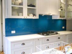 New kitchen blue splashback interior design Ideas Open Kitchen And Living Room, White Kitchen Decor, Rustic Kitchen, Kitchen Interior, New Kitchen, Best Kitchen Cabinets, Kitchen Cabinet Styles, Kitchen Tiles, Kitchen Design