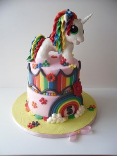 Rainbows and Unicorns Cake   I WANT no NEED this cake for my next birthday!! You have 6 months people that love me!!