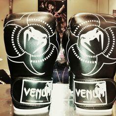 Venum women's boxing gloves