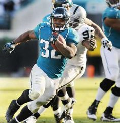 Maurice Jones-Drew reported to the Jaguars following a 38-day holdout. #MJD #NFL #jaguars