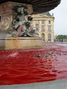 Pink October in #Bordeaux (2012) - Fight against breast #cancer