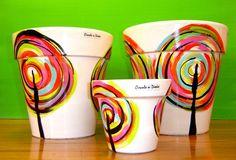 macetas pintadas y decoradas circulo de diseño n*14 Painted Plant Pots, Painted Flower Pots, Mundo Hippie, Flower Pot Art, Clay Pot Crafts, Crafts For Seniors, Dollar Store Crafts, Terracotta Pots, Hand Painted Ceramics