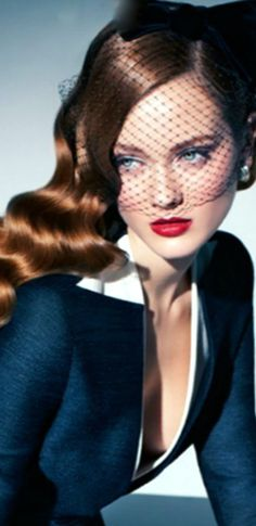Vintage Glam ~ Rosamaria G Frangini Vintage Glam, Vintage Fashion, Hair Rainbow, Monika Jagaciak, Glamour, Razzle Dazzle, Look Chic, Fashion Photo, Redheads