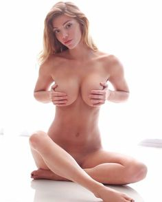 Checkout @slimmer_shady_'s amazing #throwbackthursday pic!  #MustFollow #Model #Sexy #Busty #HotChicks #Babes #Stunner #Hottie #beauty #gorgeous #naked #nude #art #mustsee #handbra #cammodel #camgirl #bigtits