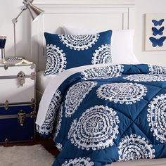 Kind of love this comforter set. Easy to clean. Pretty color. Too much for a Guestroom?