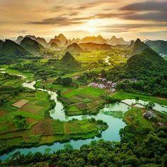 Guangxi, Golfo de Tonquín, China #guangxi #golfo #tonquín http://www.pandabuzz.com/es/imagen-ensueno-del-dia/guangxi-golfo-tonquín-china