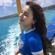 A beautiful girl Nancy Nancy Jewel Mcdonie, Nancy Momoland, Korean Beauty, Asian Beauty, Girl Pictures, Girl Photos, Cute Girls, Pretty Girls, Stylish Girls Photos