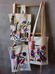 Bag embroidered in Hidalgo with Pompon. TENANGO * Sending cost on description - Artesanato embroidery sweets embroidery inspiration embroidery beautiful Diy Tote Bag, Reusable Tote Bags, Embroidered Vans, Butterfly Bags, Diy Sac, Embroidery Bags, Fabric Bags, Quilted Bag, Handmade Bags