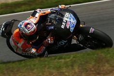 MotoGP: Casey Stoner va tester la Honda 2015 et les Michelins  #Honda