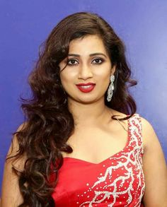 Shreya Ghoshal Most Beautiful Bollywood Actress, Bollywood Actress Hot Photos, Beautiful Actresses, Beautiful Girl Indian, Beautiful Hijab, Shreya Ghoshal Hot, Desi Girl Image, Actress Anushka, India Beauty