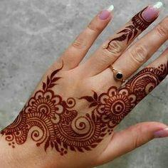 The Beys Design Henna Mehndi Designs 2018, Modern Mehndi Designs, Mehndi Designs For Girls, Mehndi Design Photos, Mehndi Designs For Fingers, Latest Henna Designs, Back Hand Mehndi Designs, Mehandi Designs, Pretty Henna Designs