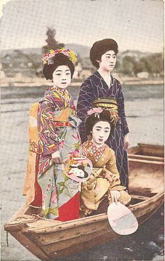 Color version of maiko and their onesan boating on the Kamo River. 1910s.