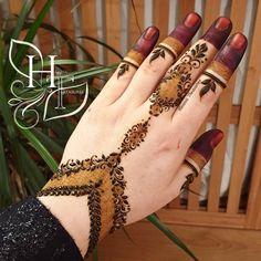 Tribal Henna Designs, Pretty Henna Designs, Full Mehndi Designs, Finger Henna Designs, Mehndi Designs For Girls, Mehndi Design Photos, Mehndi Designs For Fingers, Dulhan Mehndi Designs, Mehndi Designs For Hands