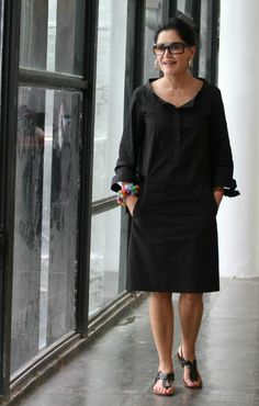 I absolutely LOVE this look.also happy to see you can look glam.without heels Mature Fashion, Fashion Over 50, Estilo Hippy, Quoi Porter, Mein Style, Fashion Outfits, Womens Fashion, Fashion Trends, Advanced Style
