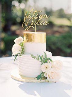 Wedding Cake Two Tier, Small Wedding Cakes, Purple Wedding Cakes, Elegant Wedding Cakes, Wedding Cakes With Flowers, Elegant Cakes, Wedding Cake Designs, Wedding Desserts, Flower Cakes