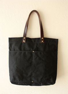 Lakeshore Tote Bag  in Black
