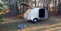Manufacturer of Teardrop Trailer. Safety is important to us, that is why all our trailers are certified from transport Canada Camping Trailer Diy, Teardrop Trailer, Quebec, Recreational Vehicles, Outdoor Gear, Tent, Camper, Canada, Automobile