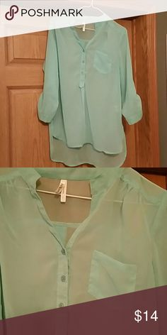 Blouse Nwot mint green 3/4 sleeve blouse,very light weight cute with tank under top under it. Tops Button Down Shirts