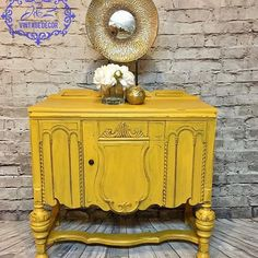 Fun piece. I used Dixie Belle Colonel Mustard and sealed with clear wax. Did a heavier distress for a nice old age look. www.jlvintagedecor.com i