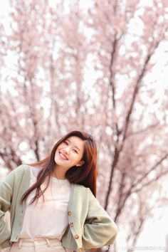 Discover recipes, home ideas, style inspiration and other ideas to try. Classy Aesthetic, Korean Aesthetic, Aesthetic Girl, Korean Photoshoot, Uzzlang Girl, Girl Photography Poses, Chinese Actress, Beautiful Asian Girls, Korean Girl