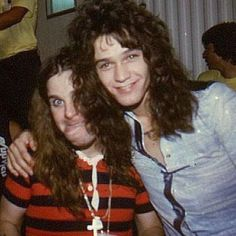 Ozzy Osbourne (The Black Sabbath) and Eddie Van Halen (The Van Halen). Eddie Van Halen, Black Sabbath, Hollywood Hills, Hard Rock, Historia Do Rock, David Lee Roth, Heavy Metal Music, Star Wars, Rockn Roll