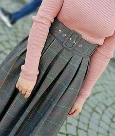 Modern Hijab Fashion, Islamic Fashion, Muslim Fashion, Modest Fashion, Skirt Fashion, Fashion Dresses, Hijab Dress Party, Hijab Style Dress, Casual Hijab Outfit