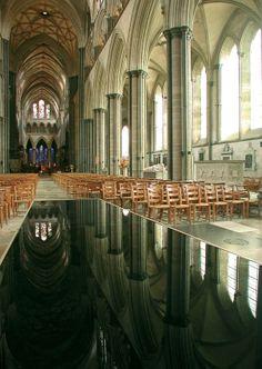 Reflection - William Pye - 2003 - Salisbury Cathedral, Salisbury, GB