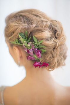 Wedding Hairstyles for Outdoor Weddings - Messy Roll with Flowers