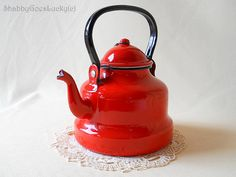 Red enamel shabby chic tea or coffee pot, German vintage cottage kitchen farmhouse style small shabby tin mug can cup jug kettle with lid