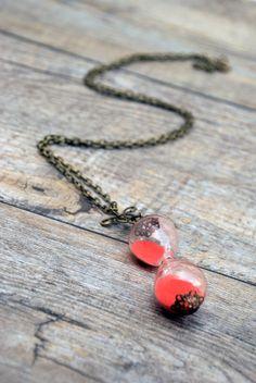 collar con colgante de reloj de arena estilo por SiamesaProject, €24.00