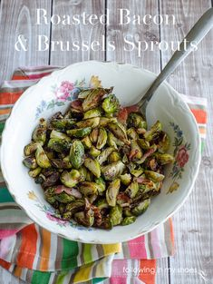 Bacon Roasted Brussels Sprouts with Balsamic Reduction - SO SO GOOD! If you are on a diet, skip the bacon and it tastes awesome as well New Recipes, Dinner Recipes, Cooking Recipes, Favorite Recipes, Healthy Recipes, Sprouts With Bacon, Roasted Sprouts, Roasted Bacon, Fruits And Veggies