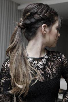 Rabo de cavalo com trança hair hair styles, hair e bridesmaid hair. Pony Hairstyles, Holiday Hairstyles, Pretty Hairstyles, Wedding Hairstyles, Quick Hairstyles, Chignons Glamour, Bridesmaid Hair, Hair Day, Gorgeous Hair