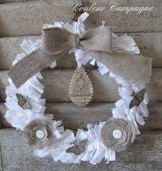 couronne de Noël lin et drap blanc                                                                                                                                                                                 Plus